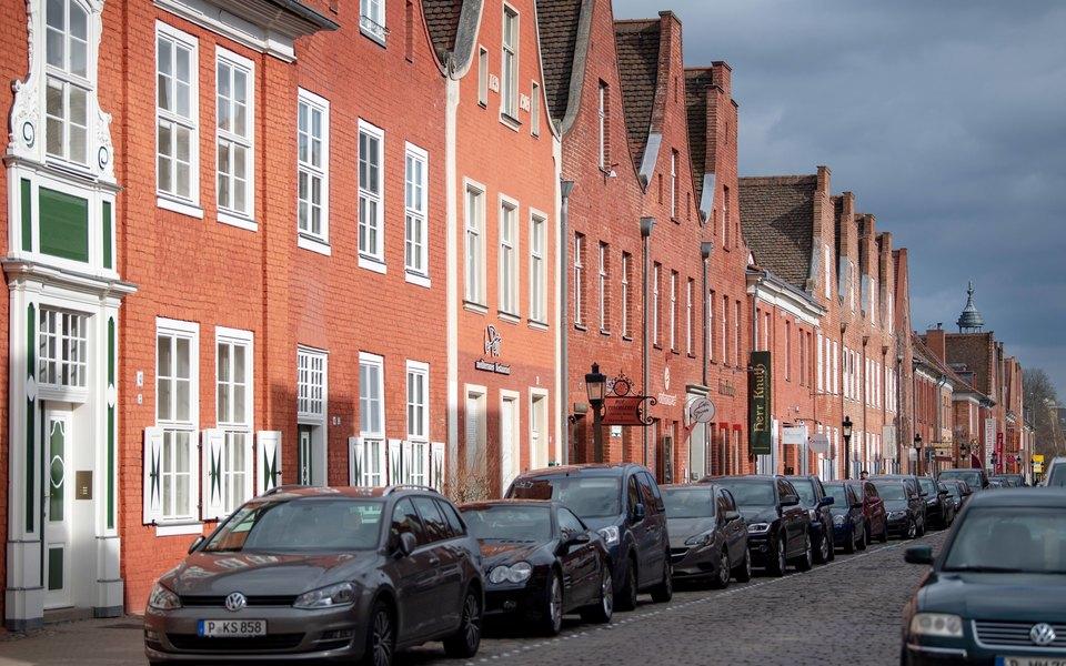 Власти Амстердама планируют запретить использование автомобилей набензине идизеле