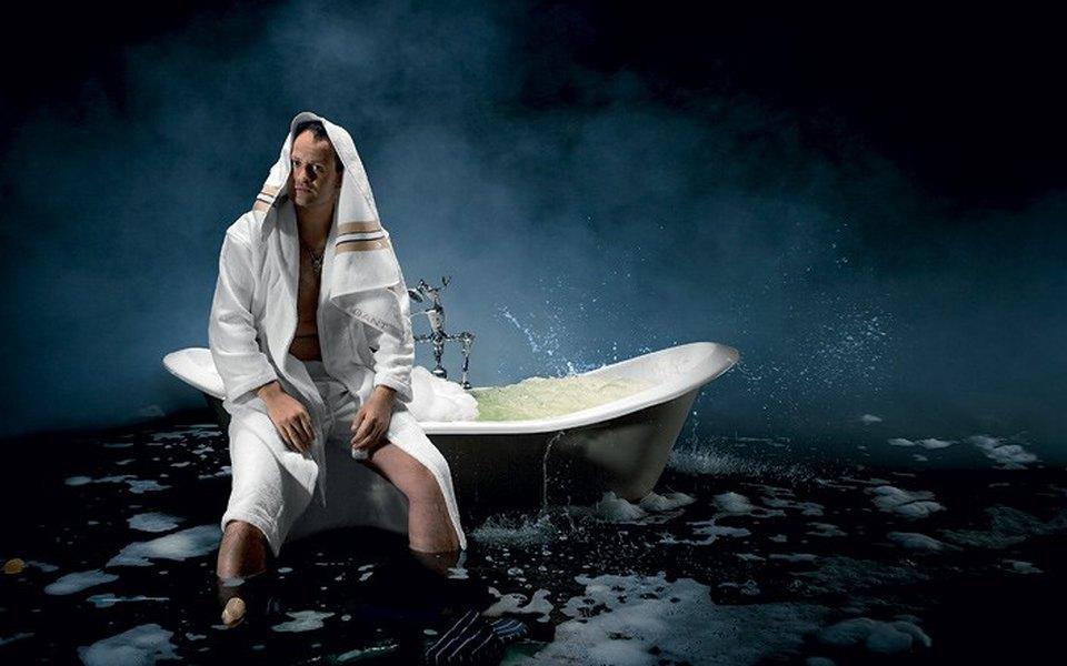 Актер Михаил Евланов впоисках горячей воды