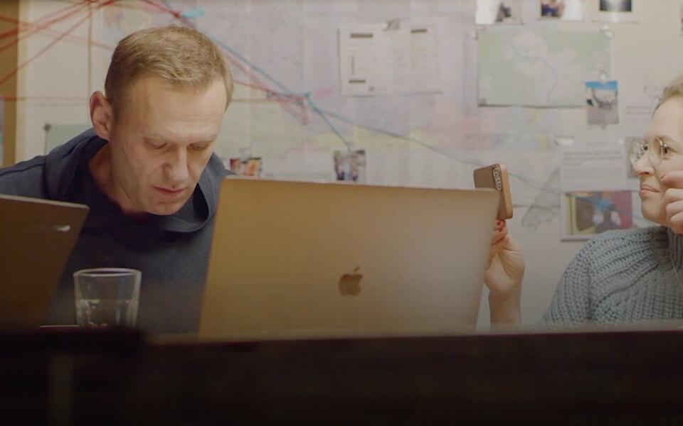 YouTube заблокировал видео разговора Навального спредполагаемым отравителем