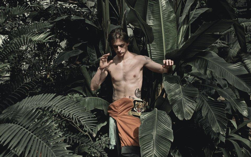 Артист балета Сергей Полунин всаванне