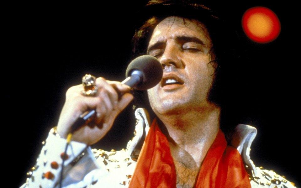 «Я никогда больше этого не сделаю»: норвежец побил рекорд по самому длительному исполнению песен Элвиса Пресли