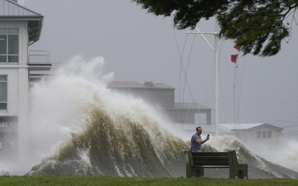 «Ида» разбушевалась: последствия урагана вСША. Фотоподборка