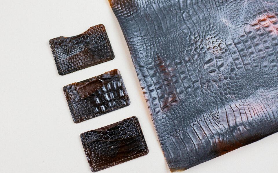 Вьетнамский дизайнер придумал кожзаменитель изпанцирей креветок икофейной гущи