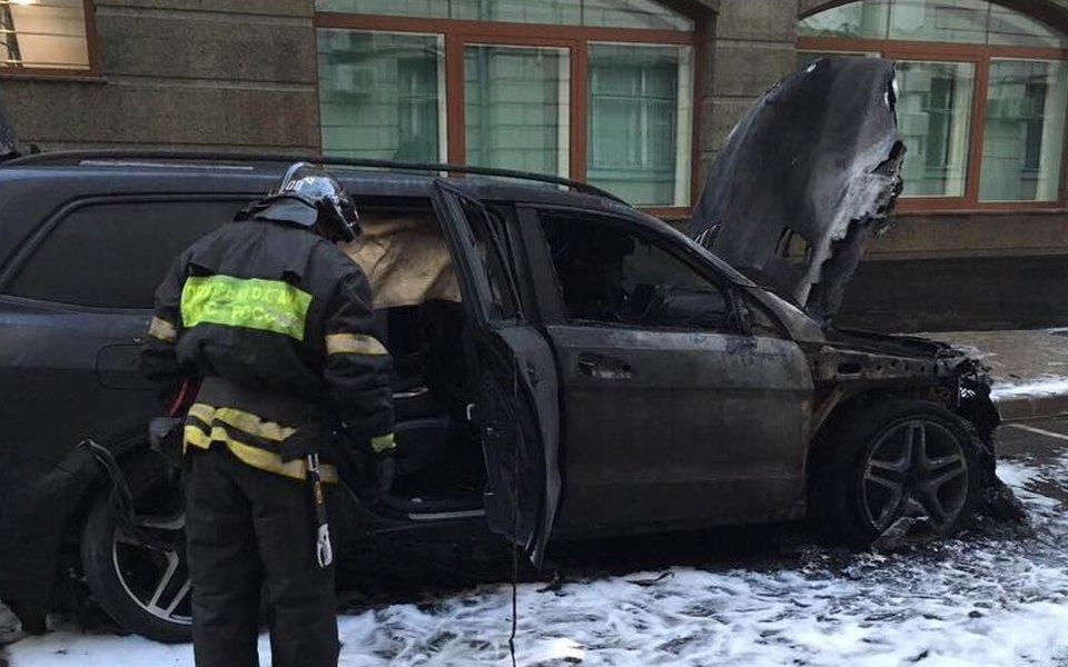 В Москве сожгли две машины уофиса адвоката, защищающего интересы Алексея Учителя