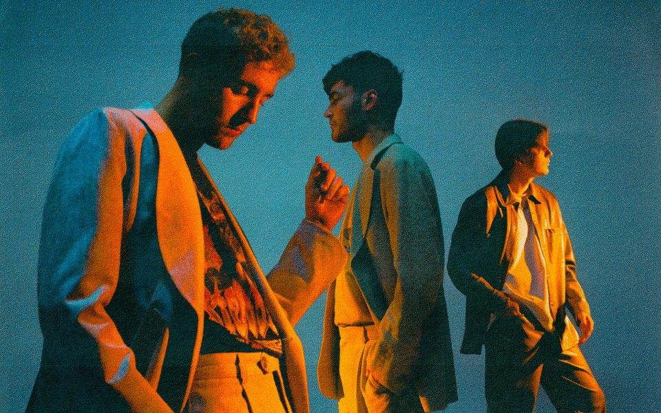 Группа «Лауд» выпустила новый альбом «Красный закат». Внего вошли фиты сGone.Fludd, Cream Soda иThomas Mraz