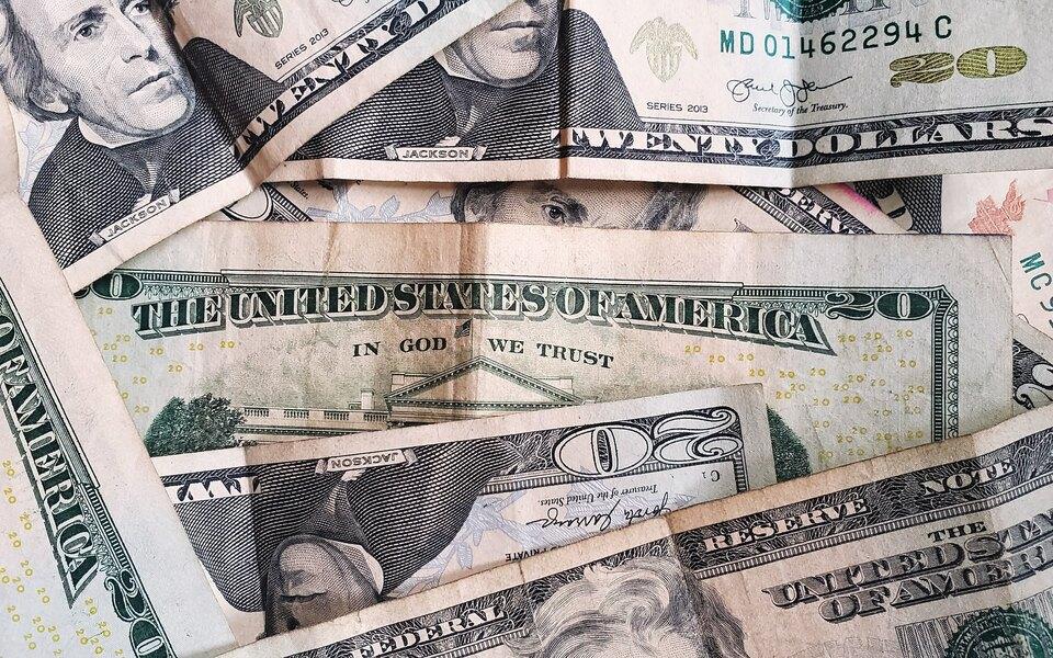 Власти США выплатят большинству американцев по $1400 из-за пандемии