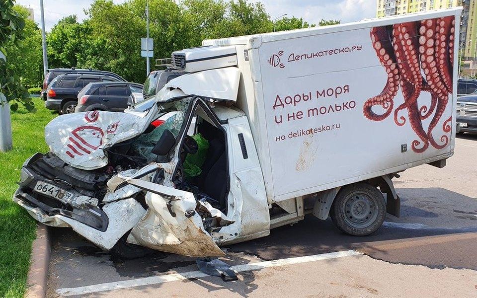 Владелец автомобиля, пострадавшего в ДТП с Ефремовым, потребовал отменить приговор актеру