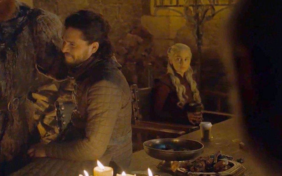 HBO удалил стаканчик Starbucks изчетвертой серии «Игры престолов»