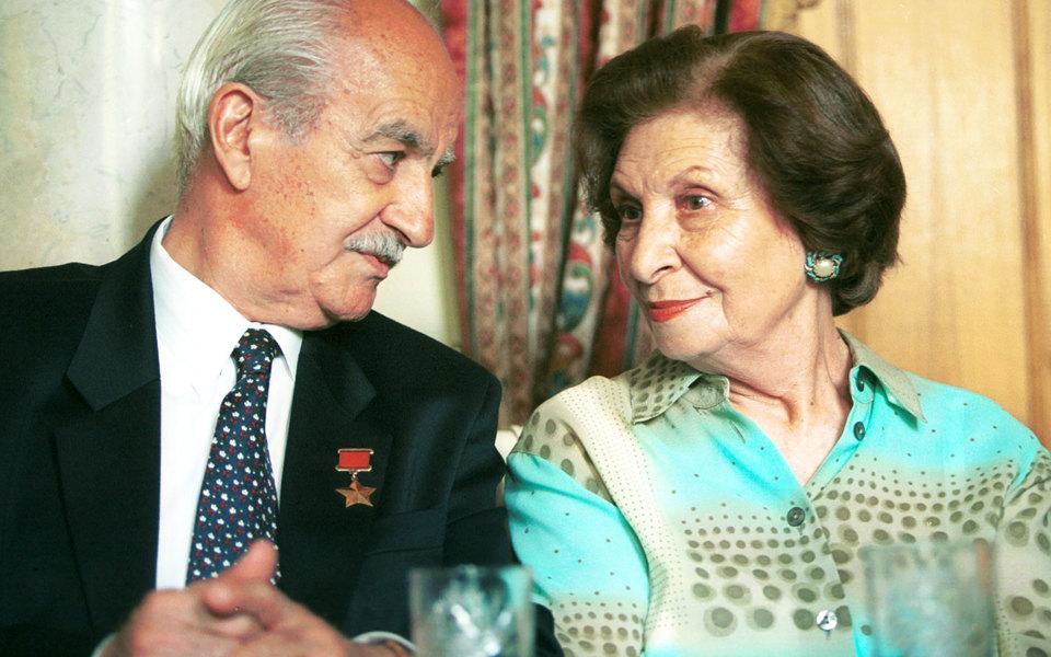 Ветеран-разведчик Георг Вартанян с супругой Гоар на представлении книги