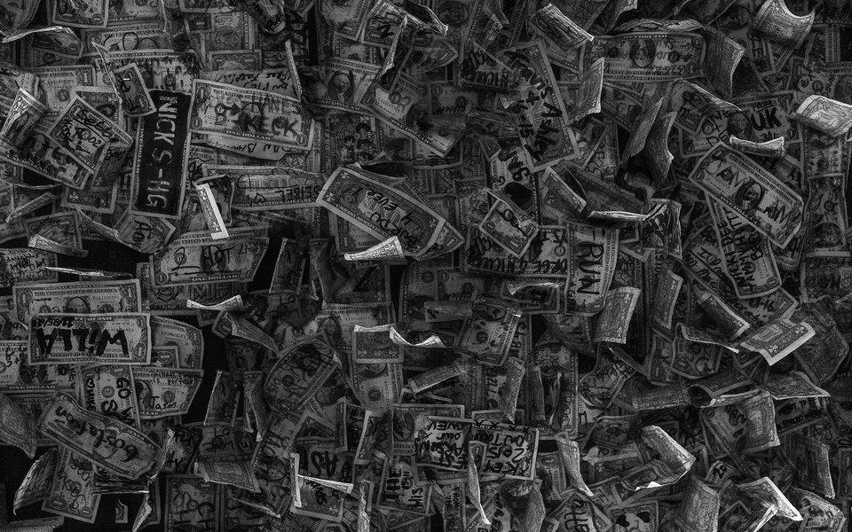 Житель Югры 170 раз перевел деньги мошенникам насумму более 1,7 миллиона рублей. Они представились полицейскими