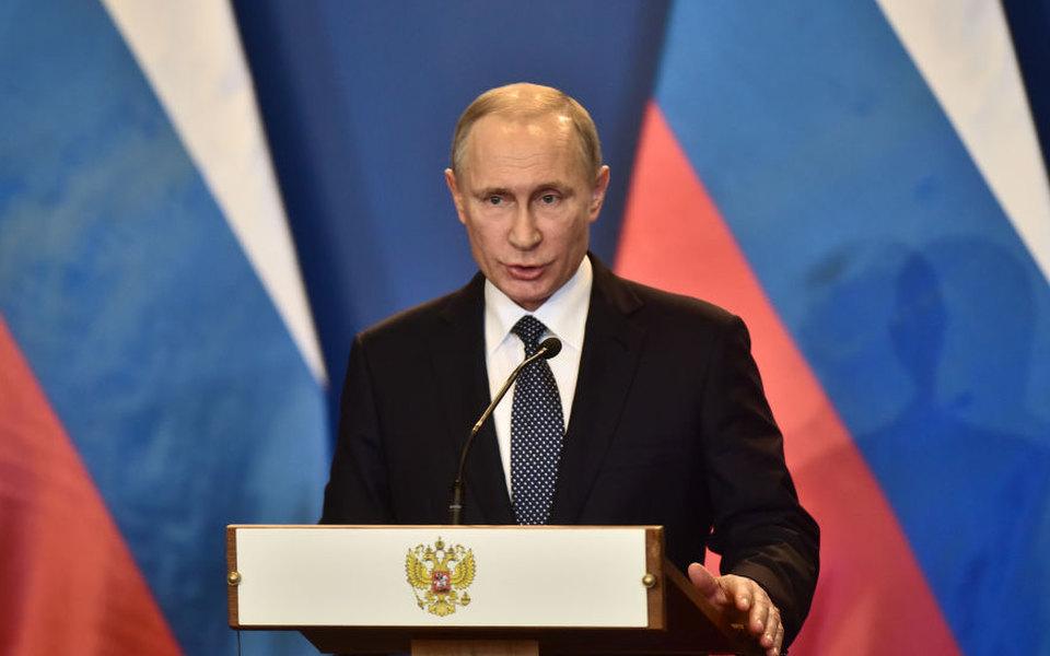 Путин назвал терактом взрыв вСанкт-Петербурге
