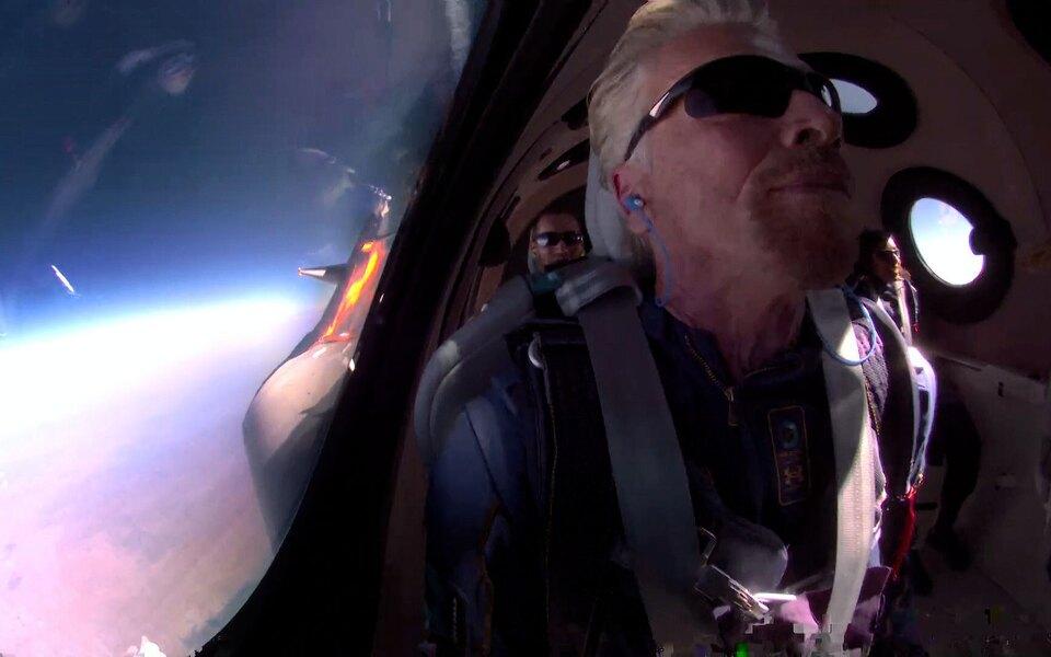 Ричард Брэнсон отправился в суборбитальный полет на космоплане VSS Unity