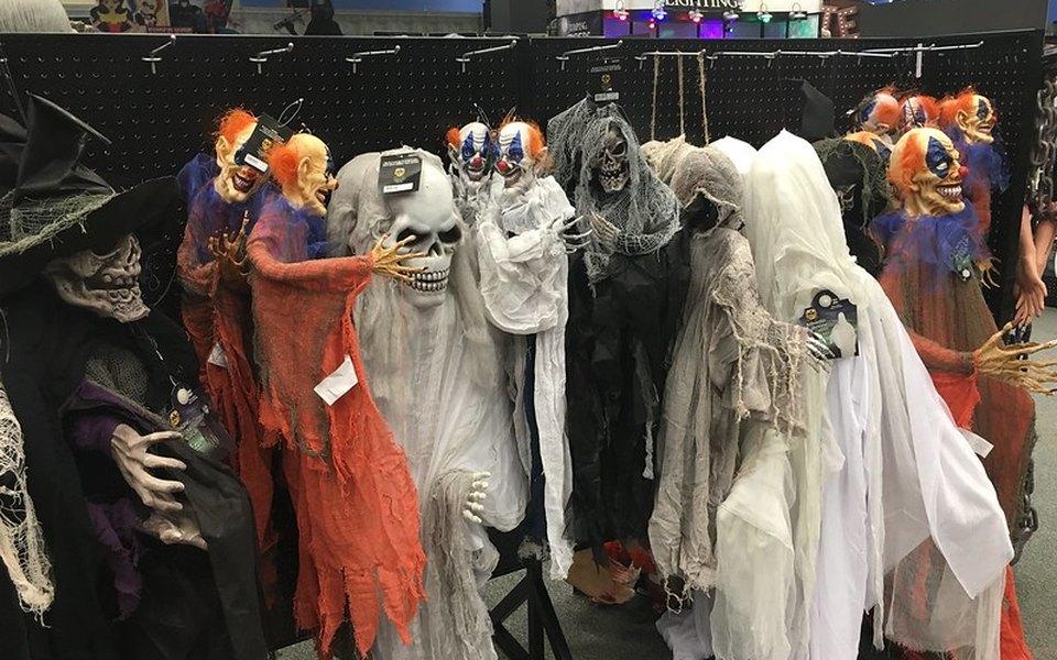 В Великобритании после Хеллоуина выбросят 2000 тонн карнавальных костюмов