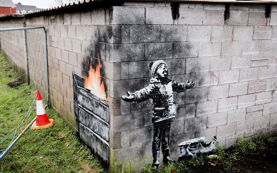 «Рождественское» граффити Бэнкси нагараже вУэльсе продали почти за$130 тысяч