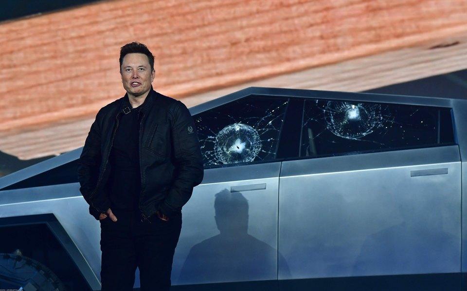 Илон Маск потерял $770 млн после презентации электропикапа Tesla, укоторого разбилось бронированное стекло