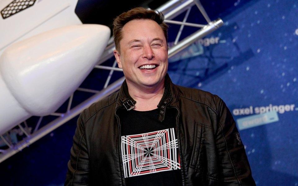 «Не могут подняться (на орбиту), лол»: Илон Маск ответил на решение компании Джеффа Безоса оспорить решение NASA о контракте со SpaceX