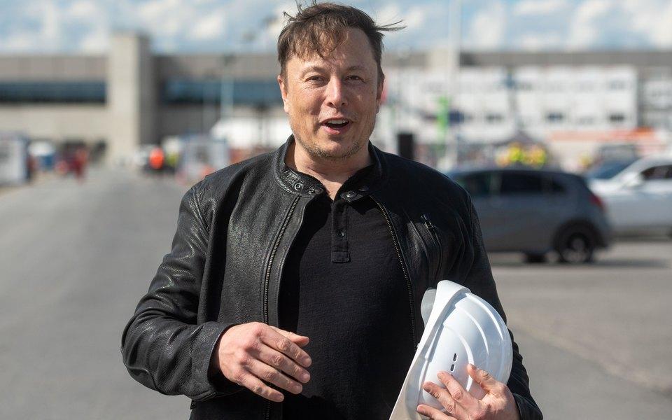 Илон Маск завел щенка шиба-ину и назвал его Флоки. Цена мемной криптовалюты Shiba Floki подскочила на 1309%