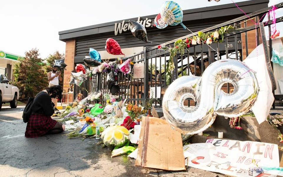 В Атланте протестующие убили 8-летнюю темнокожую девочку. Они сматерью пытались проехать пооцепленной протестантами территории