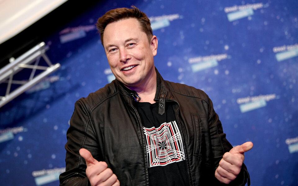 Илон Маск поаплодировал Дмитрию Рогозину за призыв к российским миллиардерам