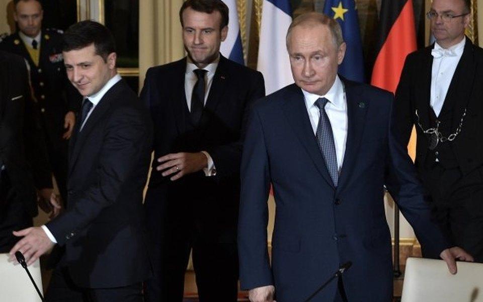 путин впервые занял пост президента рф в нужен срочно кредит наличными без справок и поручителей с плохой историей