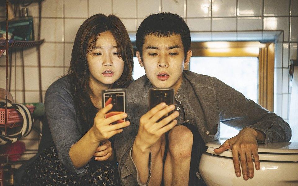 «Паразиты» южнокорейского режиссера Пон Чжун Хо — динамичная драма оклассовом неравенстве