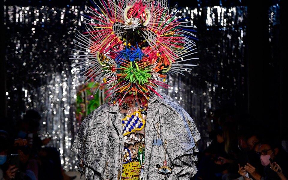 Дизайнер Том ван дер Борт стал победителем престижного модного фестиваля вЙере (Франция)