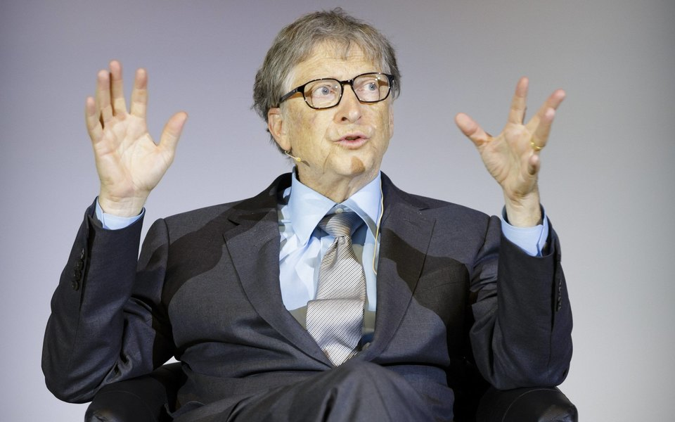Билл Гейтс составил список чтения налето — внего вошла книга Эдит Евы Эгер «Выбор» охолокосте итравме. Публикуем рецензию Гейтса ифрагмент книги