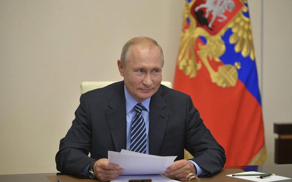 Семилетний школьник написал письмо Путину ипопросил наНовый год акции «Газпрома». Ему вручили тульский пряник ипортрет президента савтографом