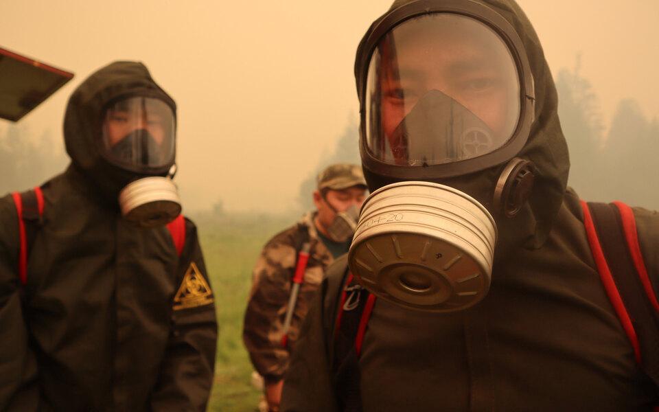 Якутия горит. Площадь пожаров превысила 1,5 миллиона гектаров, регион окутан дымом. Фоторепортаж