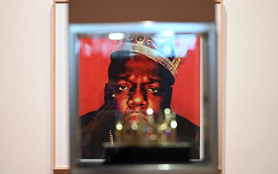 Знаменитую пластиковую корону рэпера The Notorious B.I.G. продали за$600 тысяч