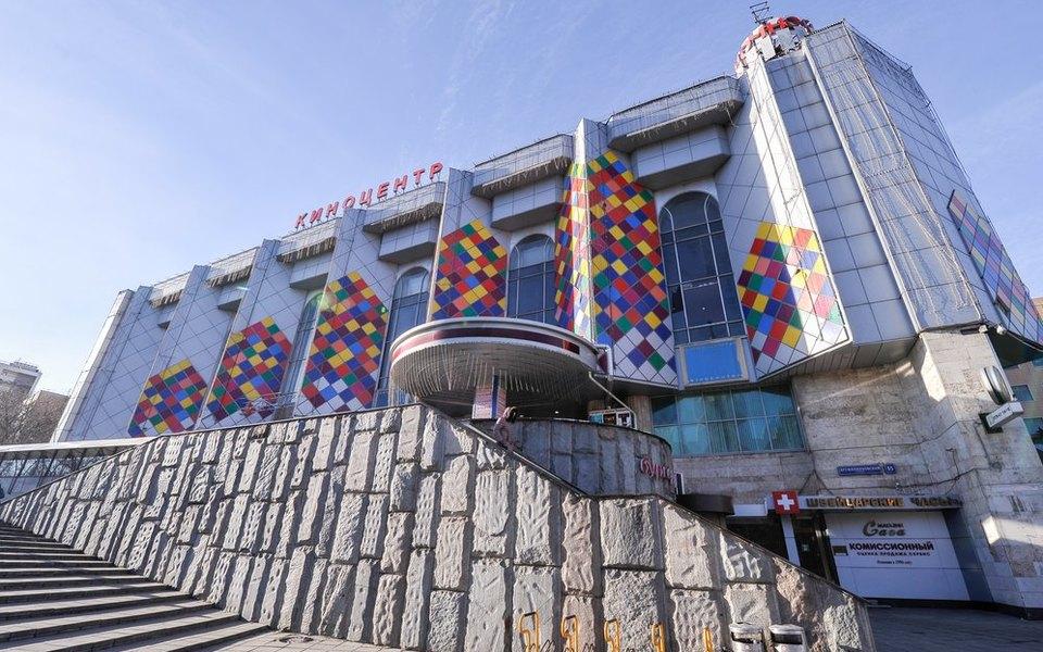 Архитекторы показали новый проект здания наместе снесенного киноцентра «Соловей»