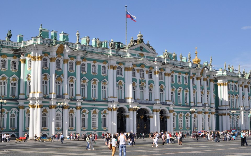 Коллекционер заявил, что навыставке Фаберже вЭрмитаже представлены подделки