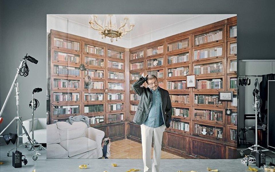 Жильцы старомосковских квартир фотографируются нафоне