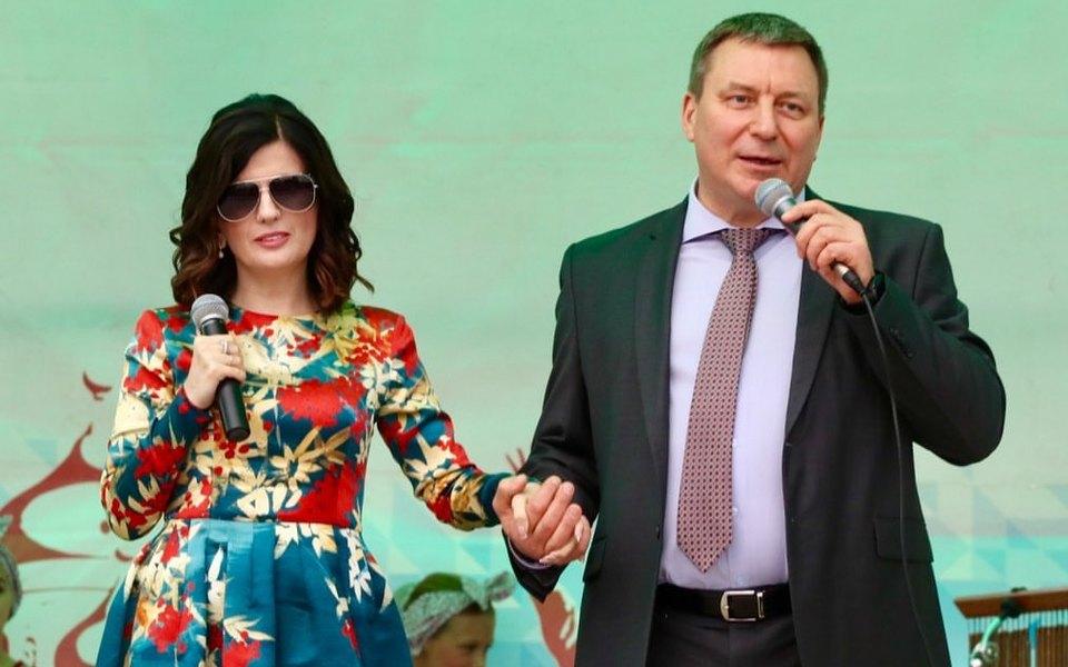 Диана Гурцкая спела песню «Я невижу других кандидатов» вподдержку единоросса Андрея Метельского