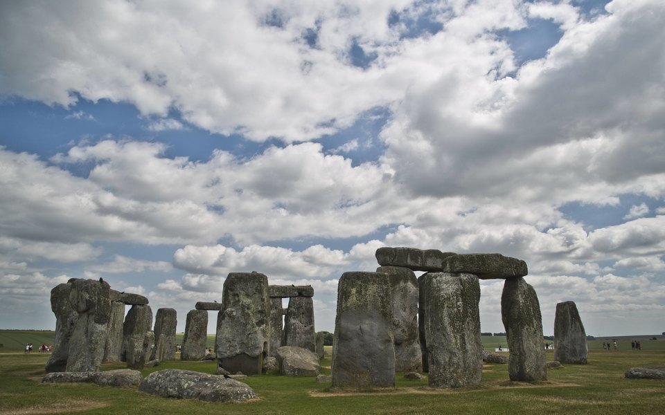 В Великобритании обнаружили пропавший фрагмент Стоунхенджа. Он 60 лет хранился уархеолога