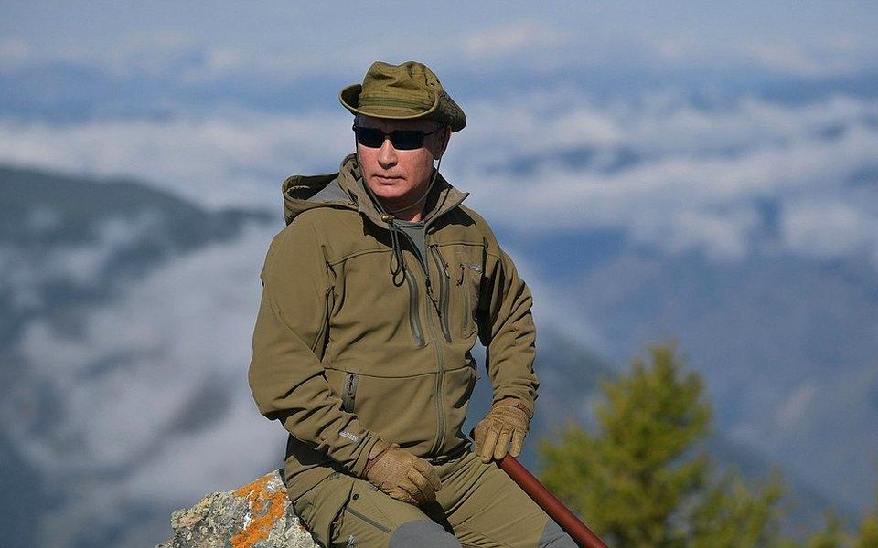 Image result for Путин и Шойгу собирали грибы в тайге