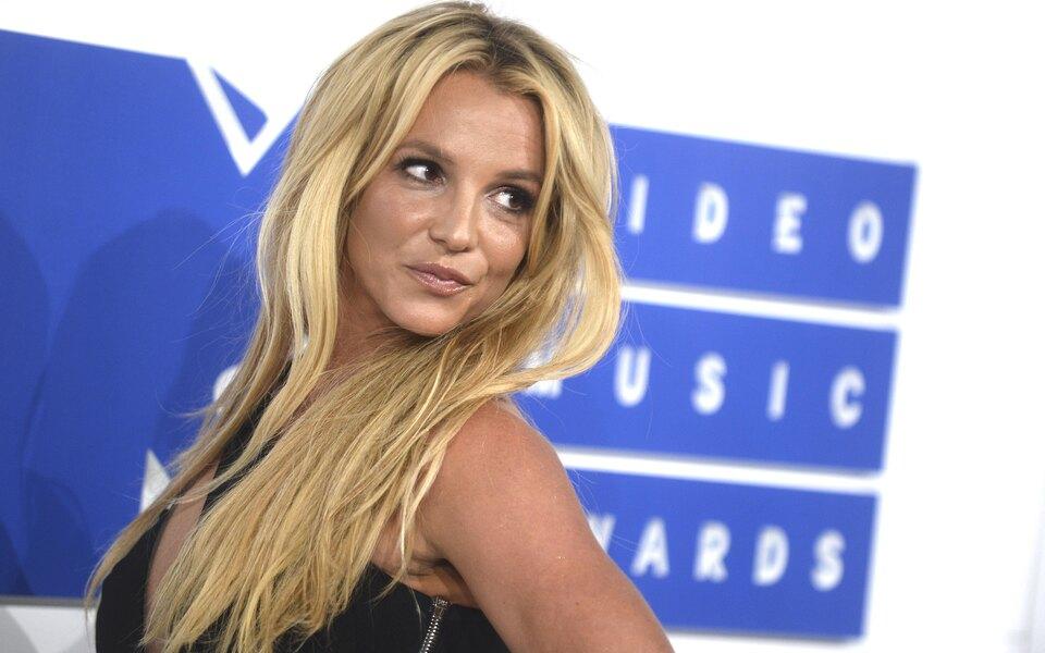 Бритни Спирс проиграла суд против отца иотказалась отконцертов из-за его опеки