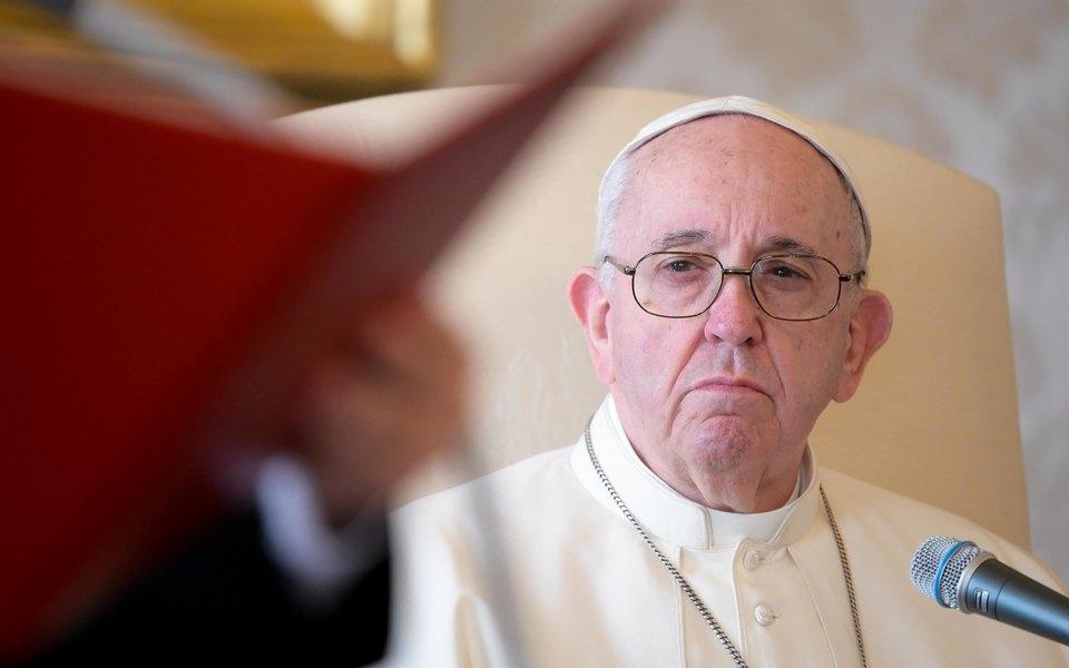 Папа римский призвал католиков молиться овечной покорности роботов человечеству