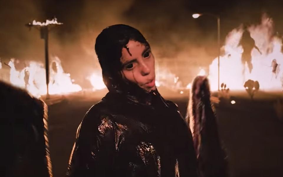 Билли Айлиш выпустила клип напесню All the good girls go to hell. Она предстала вобразе падшего ангела