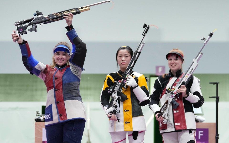 Россия выиграла первую медаль наОлимпиаде вТокио. Ее завоевала стрелок Анастасия Галашина