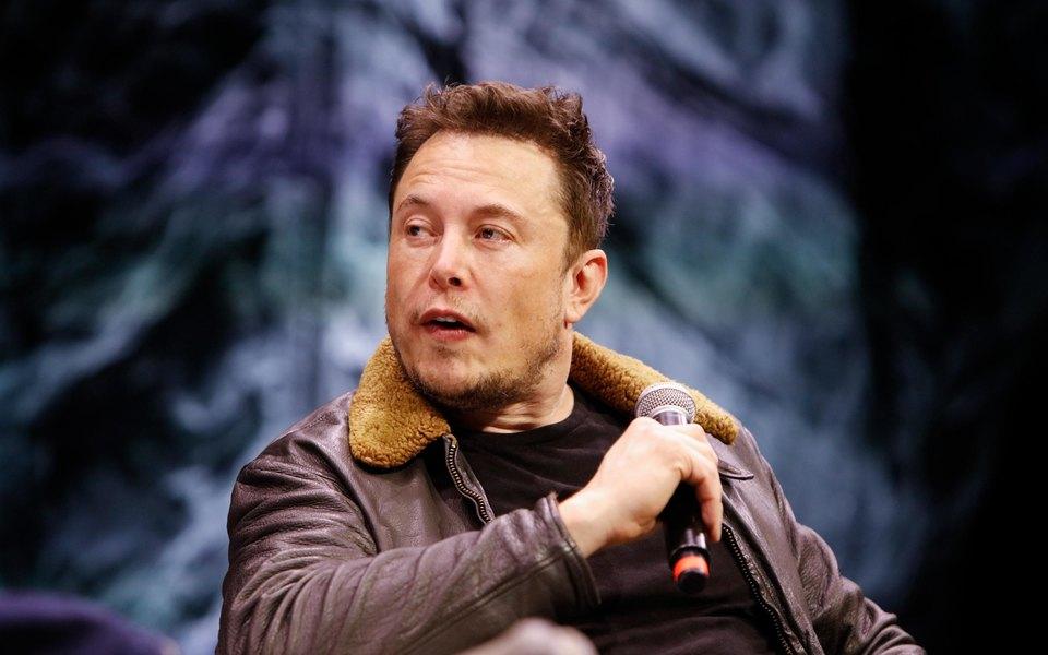Илон Маск объявил, что первый пилотируемый корабль SpaceX полетит кМКС вфеврале