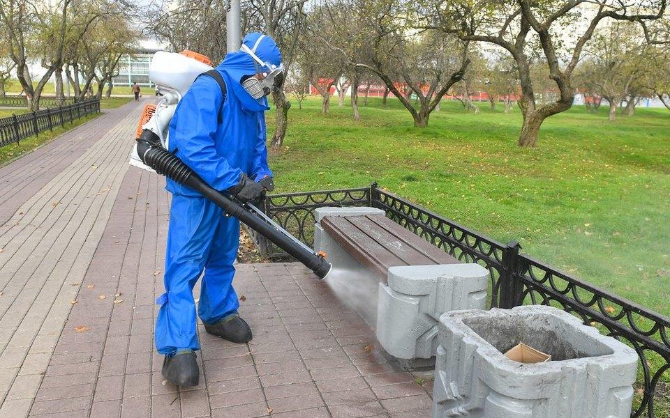 В России за сутки от коронавируса умерли 320 человек. Это максимум за всю пандемию