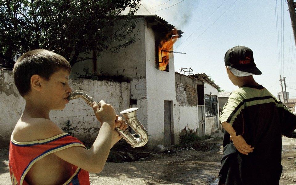 Музыкальный альбом или военный репортаж: проект Пи Джей Харви иШеймуса Мерфи