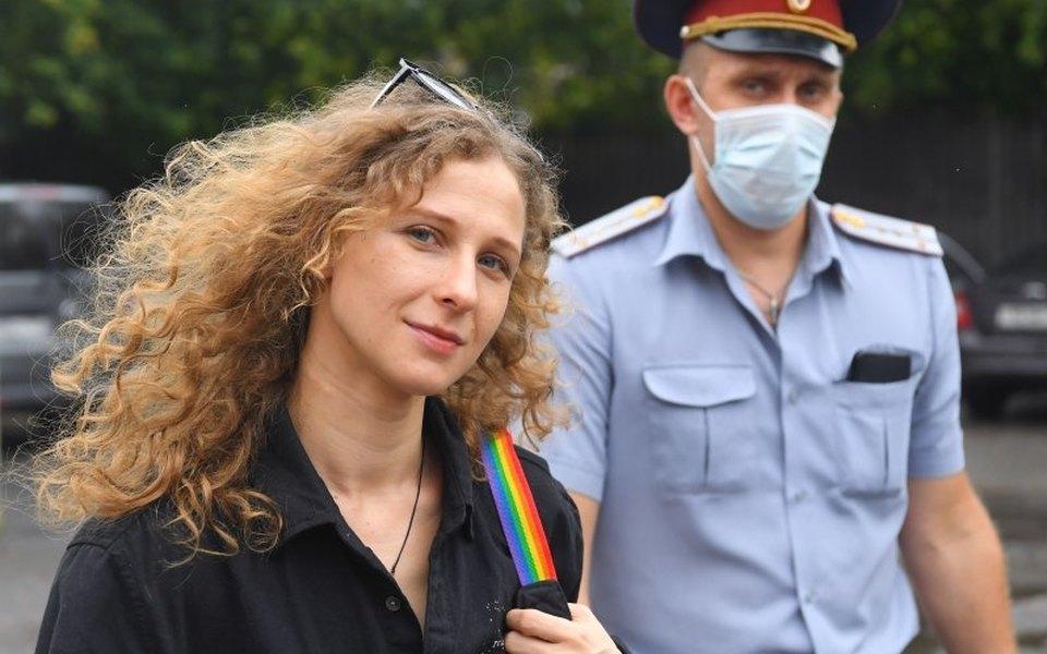 Участницу Pussy Riot Марию Алехину приговорили к году ограничения свободы за призывы к митингу во время пандемии