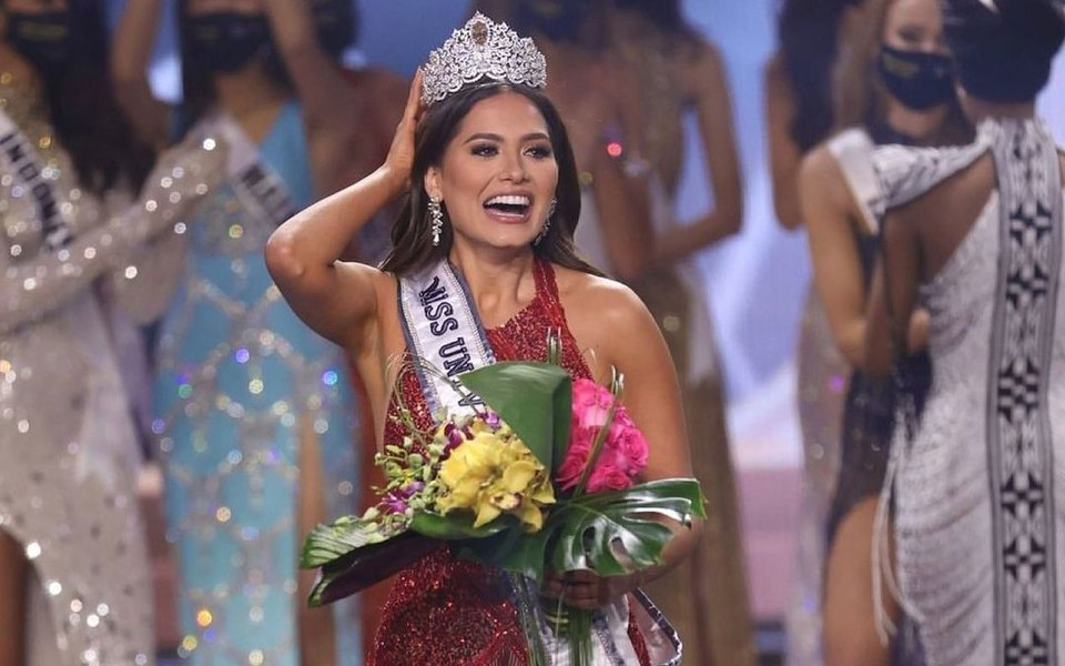 Мексиканка Андреа Меса получила титул «Мисс Вселенная»
