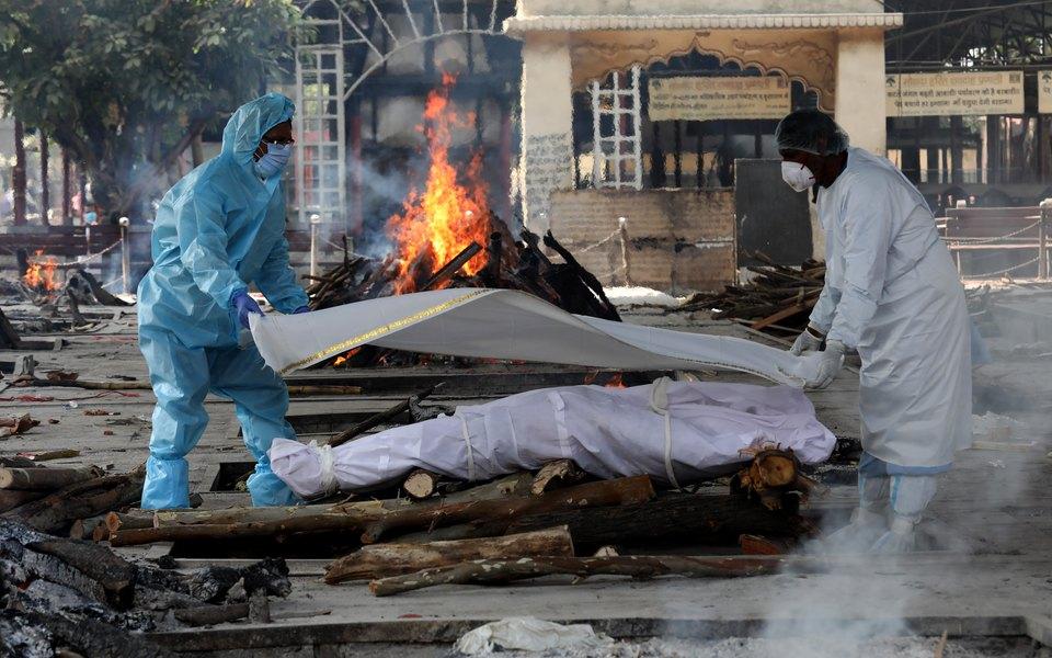 В Индии женщина проснулась за несколько минут до собственной кремации. Ее родные думали, что она умерла от коронавируса