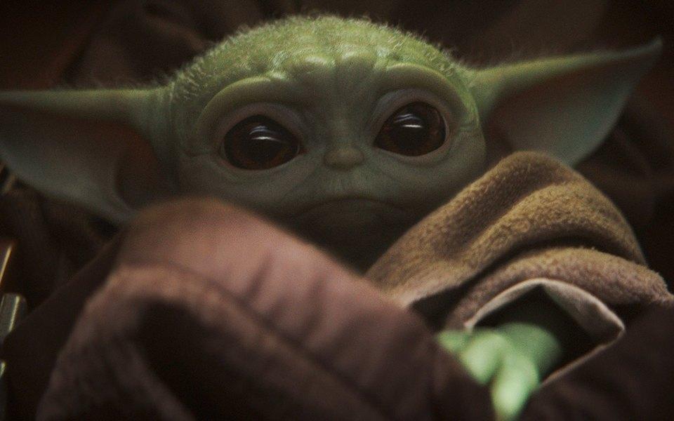 Вышла четвертая серия «Мандалорца». Малыш Йода показал свой (очаровательный) нрав ивновь стал героем мемов