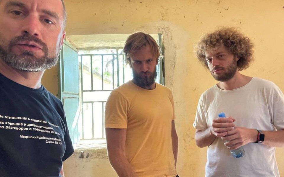 Илье Варламову иПетру Верзилову запретили покидать отель вЮжном Судане, а путешествующих сними россиян вновь задержали