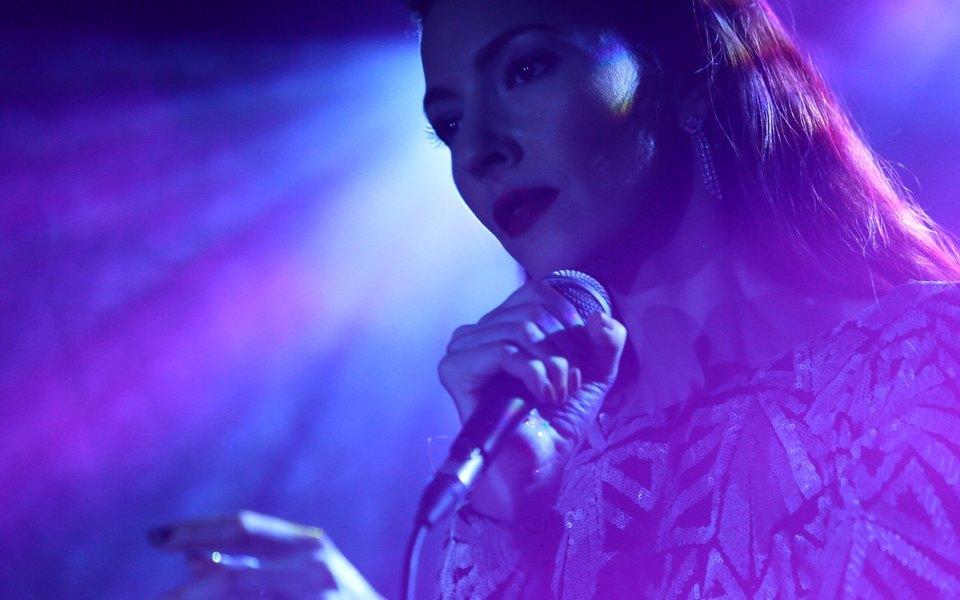 Певица иактриса Криста Белл выступит навечеринке «Контакт»