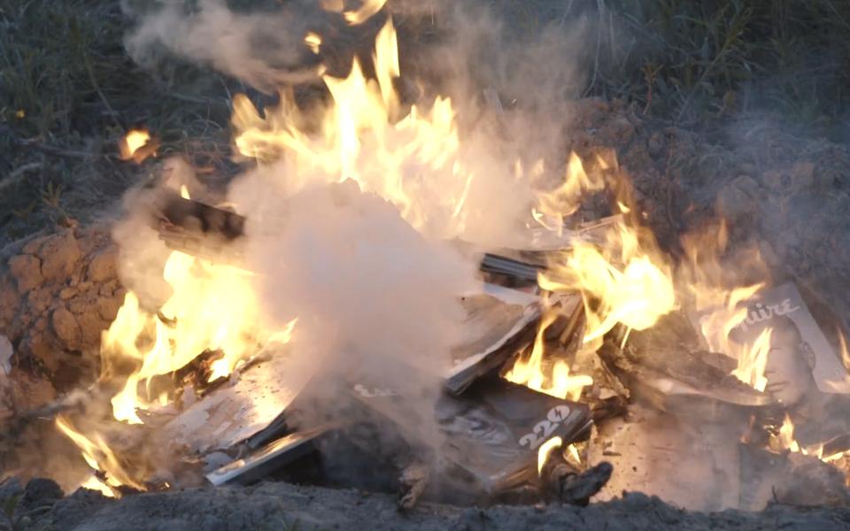 Каково это - сжечь коллекцию журналов Esquire, которую собирал 10 лет